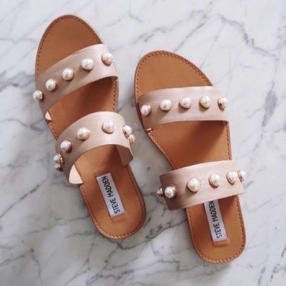 9a1f223ee1c Steve Madden Jole Pearl Slide Sandals. M 5caea184de696a57076a11cc